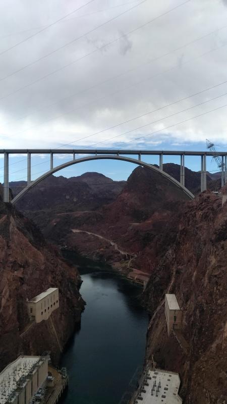 Most přes Grand Canyon z dálky