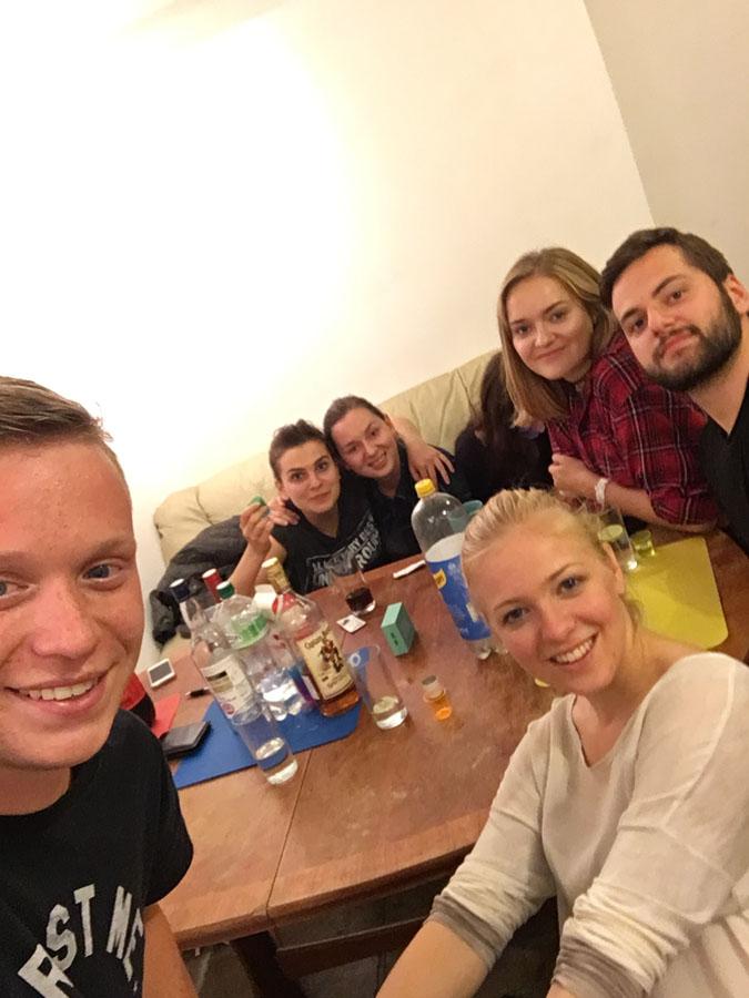 Páteční-párty-se-Slovákama